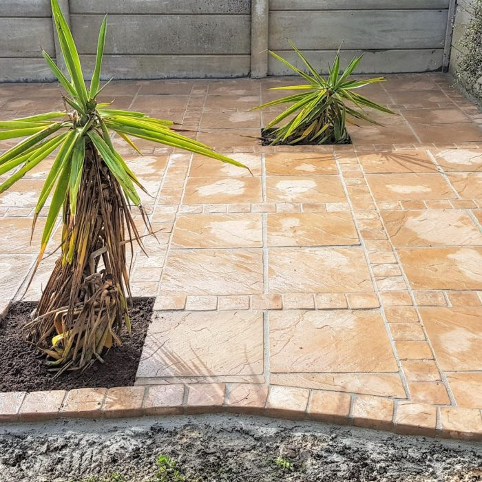 BEACH SANDSTONE SLABS WITH COBBLES _ CLADDING FROM CEMSTONE