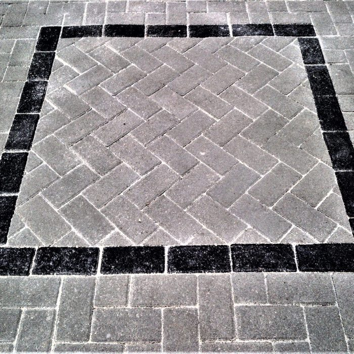 CEMENT BOND PAVERS GREY WITH SQUARE CHARCOAL OUTLINE