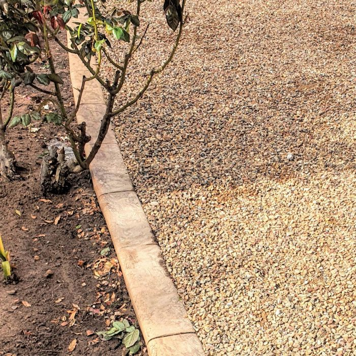 GARDEN EDGING SANDSTONE