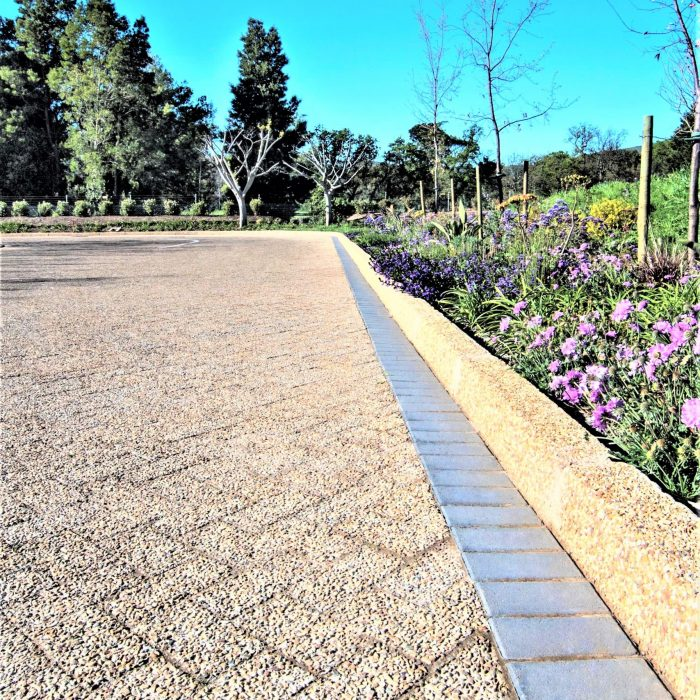 PAVING WITH BROWN AGGREGATE PAVERS