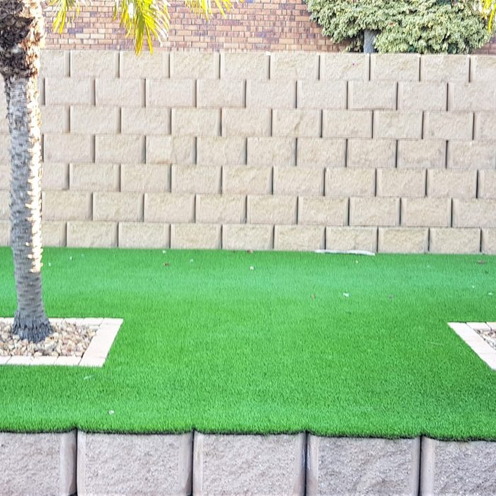 RETAINER BLOCKS AND ARTIFICIAL GRASS 4