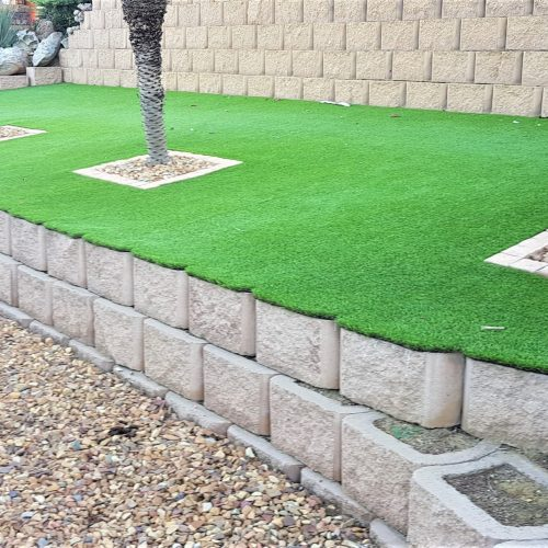 RETAINER BLOCKS _ ARTIFICIAL GRASS 1