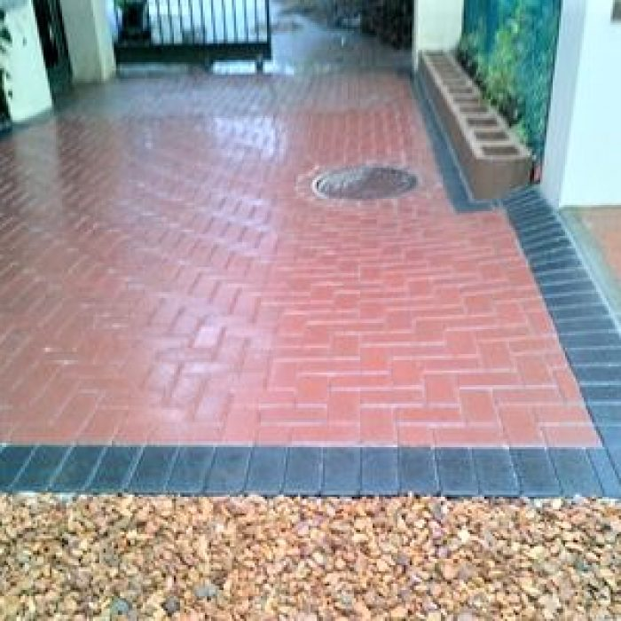 SEALED CEMENT BOND PAVERS WITH BROWN AGGREGATE STONE