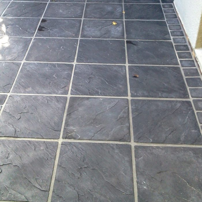 SLABS CHARCOAL WITH COBBLE BORDER(1)