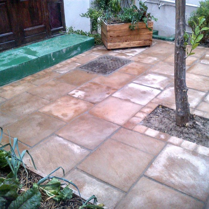 SLABS SANDSTONE WITH COBBLE BORDERS