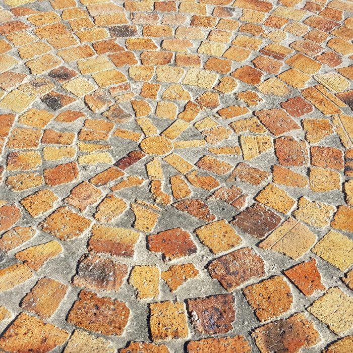 WHEATSTONE HALF BRICKS IN WAGON WHEEL PATTERN